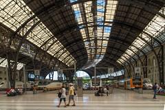 Estación de Francia (Alan Hilditch) Tags: barcelona españa de spain catalonia catalunya es francia cataluña estación iberianpeninsula penínsulaibérica estacióndefrancia catalonha péninsuleibérique santperesantacaterinailaribera penínsulaibèrica iberiarpenintsula