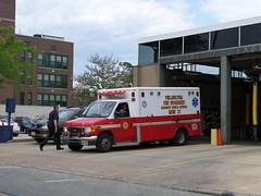Philadelphia Fire Department Medic 27 (Canadian Emergency Buff) Tags: life usa ford philadelphia america fire support pennsylvania united ambulance horton states medic 27 department als dept advanced unit pfd m27 of
