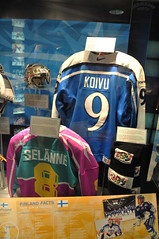 Finlands Display (Bill Maksim Photography) Tags: winter etched food toronto ontario tower classic ice cup hockey glass roy cn gold penguins hall goal goalie downtown tour adams fame gear mario location ceiling arena kings richard stanley winner hours rocket bruins olympic kane hull messier leafs canadians flyers orr canadiens address presidents hold esposito jagr malkin crosby hasek howe gretzky yzerman bossy forsberg overtime maksim ovechkin reigning lundqvist hhof sakic datsyuk connsmythe