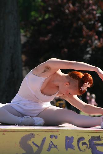Folkets park Lördag Femenistisk ballet01