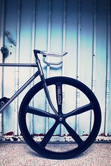 TAIWAN FIRST FIXEDGEAR SHOP OZOTW X PL23 COMPLETE BIKE X 2014 OZOTW OSPOKE FRONT WHEEL IN BLACK X LUG5 FORK IN RAW X Q1 STEM IN BLACK (OZOTW) Tags: green bicycle shop 50mm cycling aluminum asia track raw meetup taiwan gear fork tire cap ag frame singlespeed fixed taichung fixie fixedgear gt carbon custom velodrome slope pursuit mash sanmarco skid lug ozo 2014 aff1 aff2 aff3 chainlock bottombracket 4130 cinelli 700c madeintaiwan 2013 6066 steelbike chromoly 46t completebike kingheadset tricktrack carbonrim bullhornbar barspinable ozotw srams80 wwwozotwcom 4130steel slopeframeset tpuvelcrotoestrap eurobottombracket 40mmdeeprim affframeset ospoke