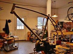 Custom Cruiser (Capricorn Bicycles) Tags: bicycle handmade steel tubes custom curved cruiser 650b cromoly