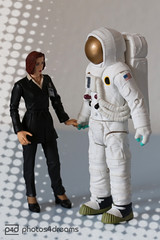 bye, moulder, have a good trip (photos4dreams) Tags: sf uk london wall toy toys actionfigure doll time unitedkingdom space cardiff astronaut crack plastic suit doctorwho bbc future gb series agent drwho dalek tardis universe dw figures spielzeug spacesuit episode fbi thefall xfiles geronimo timeshift timelord gilliananderson timetraveller davidtennant 10thdoctor danascully dontblink thetruthisoutthere allonsy gallifrey actionfigur foxmoulder timeywimey photos4dreams photos4dreamz p4d xakten staycalmcallthedoctorp4d tardislogbook17042013 scullymeetsthedoctorp4d