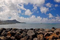 (jcc55883) Tags: ocean sky clouds hawaii nikon waikiki oahu horizon pacificocean diamondhead yabbadabbadoo d40 nikond40 alamoanaarea dukekahanamokupark