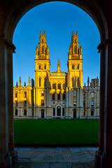 All Souls College, Oxford (Yannis_K) Tags: oxford uk university college architecture cityscape goldenlight yannisk nikond7100 nikon1685mmf3556gvr sunset goldenhour nikon 1685mm f3556g vr
