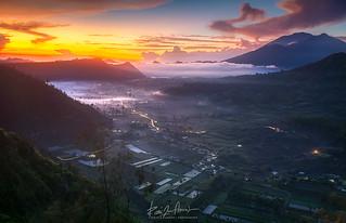 Morning sunrise, Pinggan Hill, Bali.
