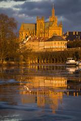 Cathédrale d'or (Fabien Husslein) Tags: cathedrale saint etienne metz moselle lorraine france reflet reflection light lumiere ice glace city ville