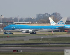 KLM B747-406M PH-BFV being towed at AMS/EHAM (AviationEagle32) Tags: ams amsterdamschipholairport amsterdam amsterdamairport amsterdamschiphol schiphol sch schipholairport schipholviewingterrace eham thenetherlands panorama panoramaterrace airport aircraft airplanes apron aviation aeroplanes avp aviationphotography aviationlovers avgeek aviationgeek aeroplane airplane planespotting planes plane flying flickraviation flight vehicle tarmac klm klmroyaldutchairlines airfranceklm boeing boeing747 b747 b747400 b747406 b747406m b747400m b744 747 phbfv jumbojet skyteam jumbo