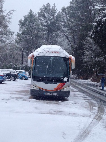 "Autobuses Andújar alquiler de autocares y microbuses en Écija • <a style=""font-size:0.8em;"" href=""http://www.flickr.com/photos/153031128@N06/33478265710/"" target=""_blank"">View on Flickr</a>"