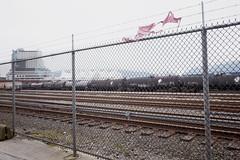 Vancouver - VII (• CHRISTIAN •) Tags: vancouver bc britishcolumbia colombiebritannique canada rail railway cohesiondefer cloture fence frost canadaplace urbain urban grandangle wideangle train wagon