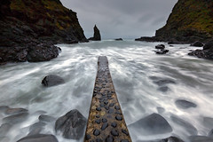 Portcoon jetty - Co Antrim - Northern Ireland (Frédéric Lefebvre - Landscape photography) Tags: antrimcoast antrim portcoon uk northernireland longexposure waves cloud rocks beach ngc