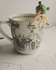 Cut this pattern out. Get to work, lady. #yotsuba (Jemjoop Blythe/BJD) Tags: yotsuba