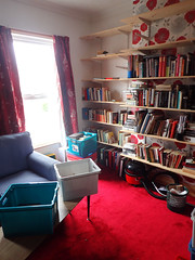 2017_04_140001 (Gwydion M. Williams) Tags: books bookcases sorting coventry britain greatbritain uk england warwickshire westmidlands chapelfields sirthomaswhitesroad