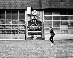Wo brennt's denn?/Fire Station (floressas.desesseintes) Tags: berlin kreuzberg feuerwache firestation wienerstrase comic anime manga jungefrau youngwoman mädchen girl streetfotografie schwarzweis