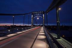 Kaiser Wilhelm Brücke. (-Siep- (on/off)) Tags: wilhelmshaven kaiserwilhelmbrücke bridge brücke brug blauestunde blauwuurtje bluehour deutschland duitsland germany longexposure