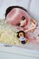 Romantic nap... (·Yuffie Kisaragi·) Tags: doll dolls pullip xiao fan custom rakeru sensei pingrey obitsu rewigged rechipped taeyang prince ramiro kenjiro