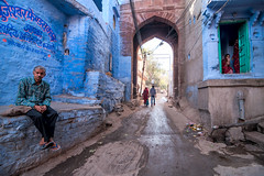 Street of Jodhpur (dsaravanane) Tags: life portrait india man colors face feel streetlife age chennai rajasthan jodhpur cwc bluecity saravanan bluestreet chennaiweekendclickers dsaravanane saravanandhandapani yesdee yesdeephotography jodhpurstreet