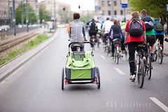 lmk_04_2014 (16) (M K Strzeleccy) Tags: people bike bicycle cyclist culture poland polska bicicleta cycle criticalmass biking bici fahrrad fiets rower cykel bicicletta lodz d masakrytyczna rowery biciclettes cyklisme lodzcyclechic dzkamasakrytyczna bikehaven rowerowad
