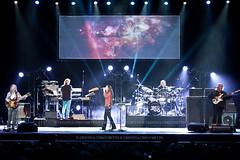 YES (checchetto_cristina) Tags: rock tour live yes concerto musica zed padova alanwhite geox stevehowe chrissquire geoffdownes heavenearth rockprogressivo rocksinfonico toureuropeo zedlive jondavison granteatrogeox 17052014
