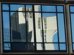 La Dfense (uempe (only sporadically here)) Tags: paris france reflection window glass digital skyscraper photo frankreich europa europe ledefrance foto fenster sony highrise reflexion spiegelung glas ladfense reflektion hochhaus wolkenkratzer 2014 sonyhdrcx130e