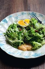 Salad (EndlessJune) Tags: food breakfast pepper 50mm yummy nikon good tasty lettuce eggs  romaine foodphotography   thousandislanddressing  goodtasting   nikond7000