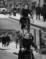 [La Mia Citt][Pedala] (Urca) Tags: portrait blackandwhite bw italia milano bn ciclista biancoenero bicicletta 2014 pedalare dittico 62529 ritrattostradale nikondigitalefilippetta