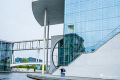 Spiegelung Reichstagsgebäude im Marie-Elisabeth-Lüders-Haus