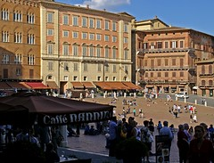 Siena, Piazza del Campo (HEN-Magonza) Tags: italien italy del italia tuscany campo siena toscana toskana piazzadelcampo sienatoskanatuscanytoscanaitalienitaliaitalypiazza