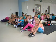 "zomerspelen 2013 hiphop clinic • <a style=""font-size:0.8em;"" href=""http://www.flickr.com/photos/125345099@N08/14384077706/"" target=""_blank"">View on Flickr</a>"