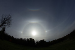 IMG_2338 (jukka.oravasaari) Tags: sun dogs canon finland atmospheric halos optics parahelia eos550d