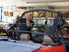 04 Peugeot-504-Cabrio Original-Line Verdeck rs Montage 02