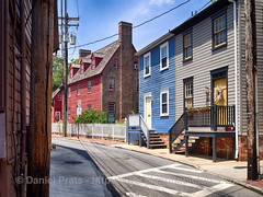 Shiplap House - Annapolis (dprats) Tags: 4exp annapolis danielprats eeuu epl5 hdr hdrefex olympus olympusepl5 shiplaphouse summer summer2014 travel trip usa viajes edificiohistrico historicalbuilding maryland
