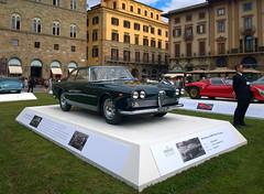 Alfa Romeo (Kriisi) Tags: florence vintagecar firenze alfaromeo piazzadellasignoria lumia1020
