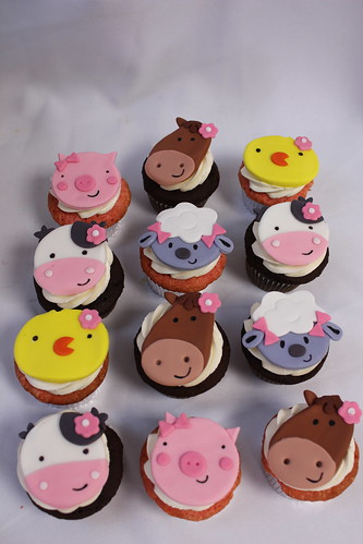 Farm Animal Faces Cupcakes
