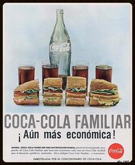 Coca Cola Familiar, el ao 0 del consumismo (santiagonostalgico) Tags: chile publicidad cocacola bebida cartelpublicitario