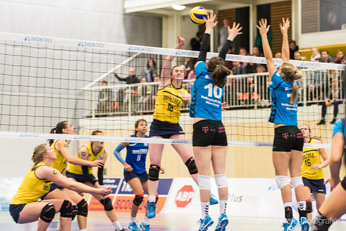 "3. Heimspiel vs. Volleyball-Team Hamburg • <a style=""font-size:0.8em;"" href=""http://www.flickr.com/photos/88608964@N07/32003259033/"" target=""_blank"">View on Flickr</a>"