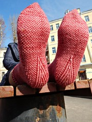 Stripodots4 (Horosho.Gromko.) Tags: socks feet knitting knittedsocks knitty knittymag legs stripodot