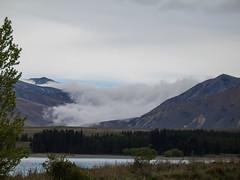434 - Montagnes et nuages depuis le Lake Tekapo