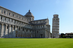 Leaning Tower of Pisa (Theo Crazzolara) Tags: leaning tower pisa schiefer turm torre pendente campanile bell cathedral baptistry italy italien europe europa sight sightseeing sehenswürdigkeit hotspot toskana arno ligurische tuscany tyrrhenian italiano toscana nikon d5100 nikkor piazza miracoli