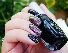 Skinny - Mohda + Neon Rosebud  (H) - ILNP  (Foto 02) (Fer Valquiria) Tags: ilnp neonrosebud holographic holografico glitter flakes multichrome black mohda esmaltesmohda skinny unhas esmaltes nails nailart nailpolish polish polishnails