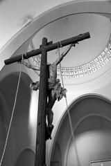 Cristo de las Penas (jllopisbraceli) Tags: elche religión alicante alacant españa spain bw blancoynegro semana semanasanta santa sagrada lanzada cristo pasión cofrade