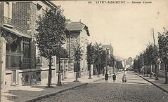 CPA-Vitry-sur-Seine-l´avenue-Carnot-une-femme-et-deux (gpmetropole) Tags: cpa vitry port à l anglais edf centrale electrique ardoines