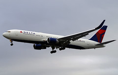 Delta 767-332(ER)(WL) N179DN. (Cameron Gaines) Tags: cn 25144 first flew 12th february 1991 before being delivered delta airlines 17th april registered n179dn the aircraft had winglets fitted june 2010 was reconfigured include new premium economy january 2014 current 2017 boeing 767332erwl final approach 27l london heathrow airport dl lhr egll hounslow londonheaathrow londonheathrow avgeek aviation airliner airplane aircrft 767 767300 clouds hatton cross bath road capital city england united kingdom uk great britain like4like