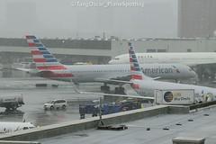 N177AN (thokaty) Tags: kbos bostonloganairport bos americanairlines boeing b757 b752 b757200 b757223 n177an eis2001 mia arrival