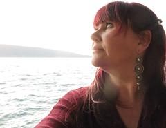 La rêveuse (nathaliedunaigre) Tags: autoportrait selfportrait femme woman redhair ginger dreamer rêveuse