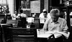 Kuala Lumpur KLCC, Dõme Caffee (Swiss.Piton (BH&SC)) Tags: kualalumpur kualalumpurstreets café caffee kaffe kafi klcckualalumpur klcc kl malaysia blackandwhite sonyrx100m2 rx100m2 schweizerphotographen schwarzundweiss noiretblanc ibringmycameraeverywhere