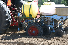 Peanut Planting 4 (UGA College of Ag & Environmental Sciences - OCCS) Tags: uga tifton campus peanuts planting