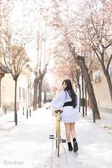 las bicicletas también son para la primavera (kinojam) Tags: retrato portrait chica girl shooting belleza beauty bicicleta bicycle bike kino kinojam canon canon6d