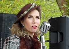 Crich 1940s Gala (2017) 05 - Jayne Darling, Entertainer (Row 17) Tags: uk unitedkingdom gb greatbritain britain england derbyshire entertainer entertainers entertainment people women woman 1940s reenactment singer