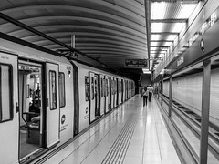 Bac de Roda metro station (KyllerCG) Tags: bacderoda barcelona catalonia catalunya espanha españa europa europe poblenou spain blackandwhite ferroviário meiodetransporte metro rail railroad subway transportation urbanexploration nicefeelings